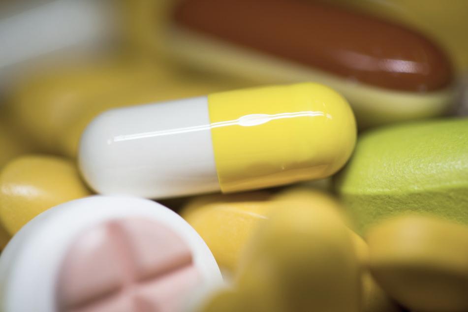 Einige Händler bewerben ihre Nahrungsergänzungsmittel mit dubiosen Versprechen. Die Verbraucherzentrale stellt klar, dass Nahrungsergänzungsmittel keine Krankheiten verhindern können. (Symbolbild)