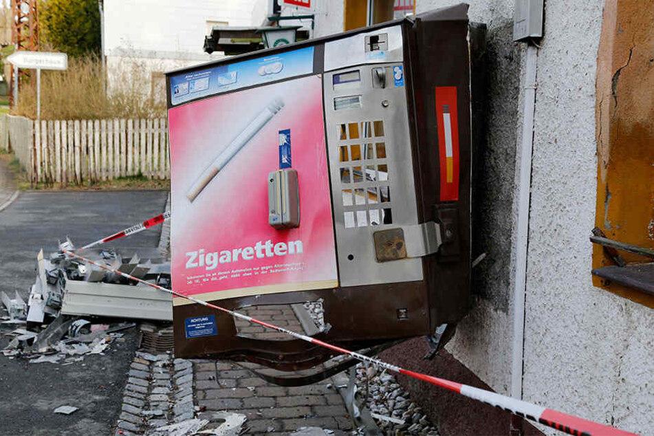 Ein Zigarettenautomat wurden am frühen Dienstagmorgen in Bad Lippspringe aufgebrochen (Symbolbild).