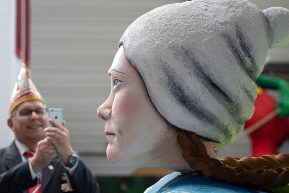 Greta Thunberg wird ebenfalls als Pappfigur beim Kölner Karneval dabei sein.