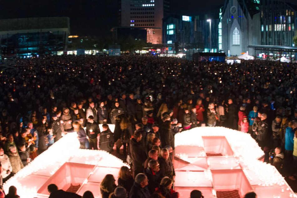 Aus Protest zogen am 9. Oktober 1989 mehr als 70.000 Menschen über den Leipziger Innenstadtring. Damit leiteten sie den Fall der Berliner Mauer ein.