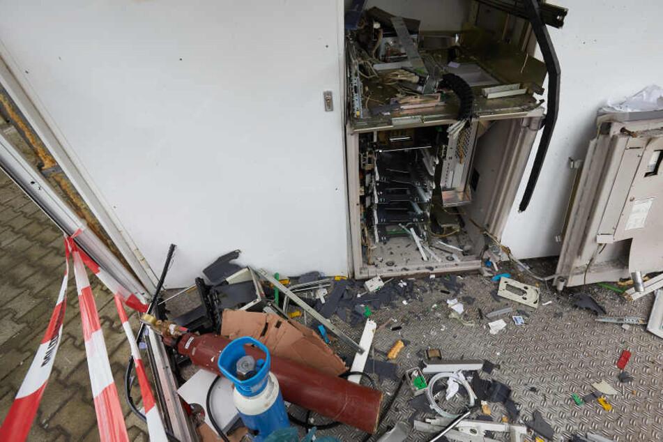 Wird ein Geldautomat gesprengt, ist der Sachschaden meistens höher als die Beute (Archivbild).