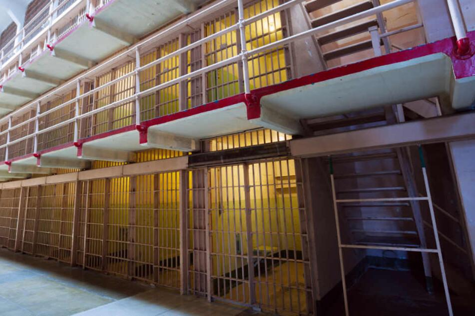 Häftlinge richten in Knast Blutbad an: 15 Tote
