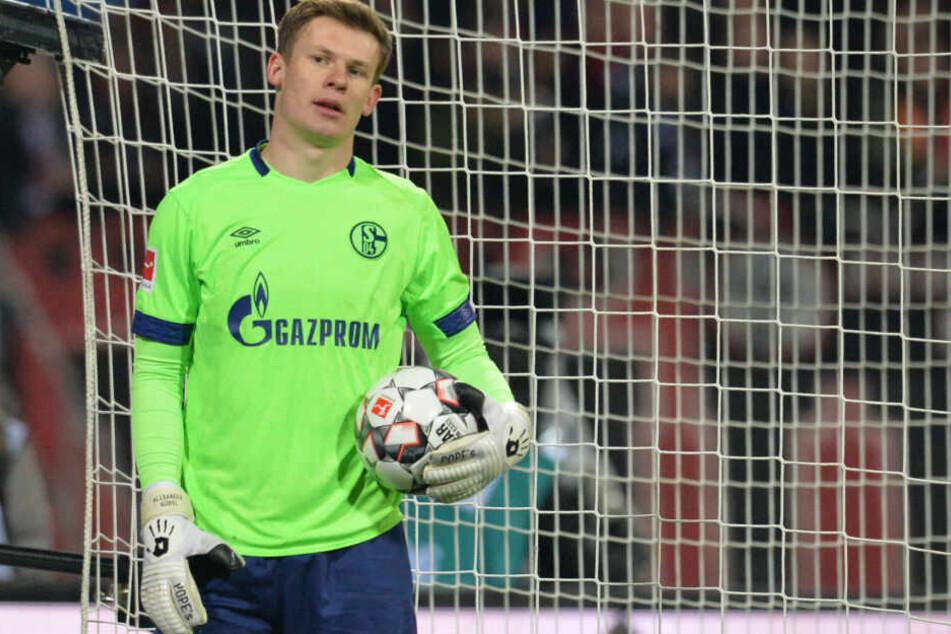 Direkter Ersatz für Gulácsi? Schalkes Alexander Nübel hat seinen 2020 auslaufenden Vertrag bislang nicht verlängert. Wenn S04 noch Kohle machen will, müssten sie ihn noch in diesem Sommer verkaufen.