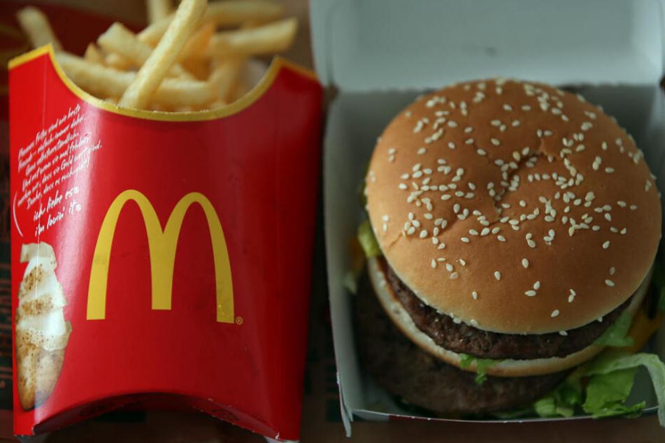 Eine typische McDonald's Bestellung: Fritten und ein Big Mac.
