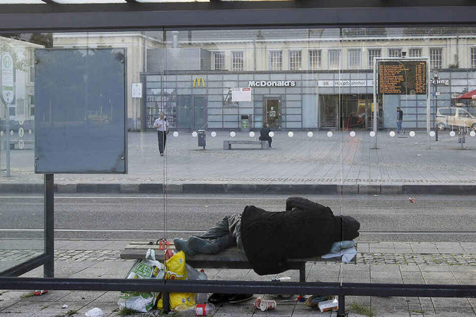 Die Mordkommission ermittelt nun, wie der Obdachlose ums Leben kam. (Symbolbild)