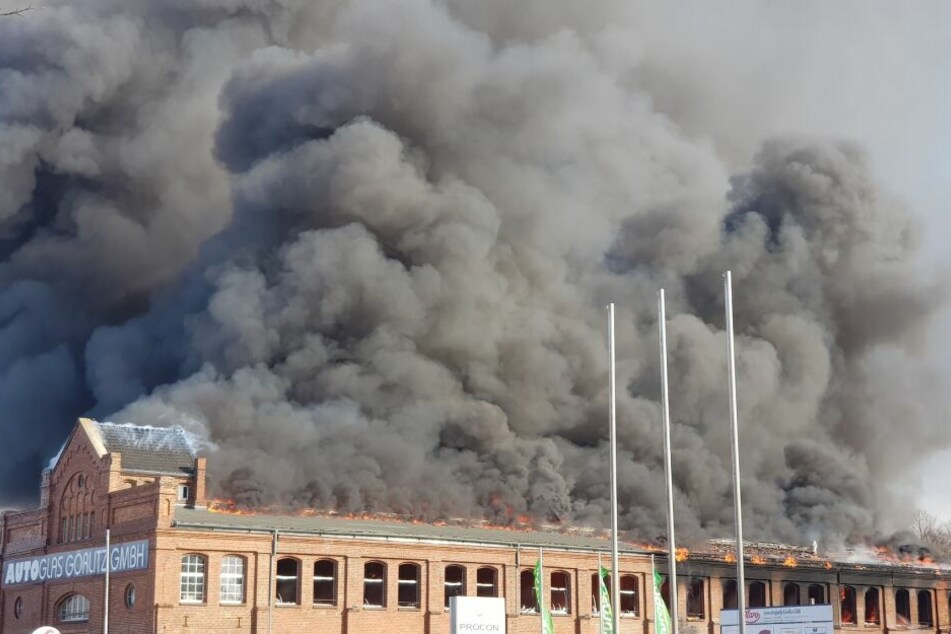 """In der Firma """"Autoglas Görlitz GmbH"""" kam es am Montag zu einem Brand!"""
