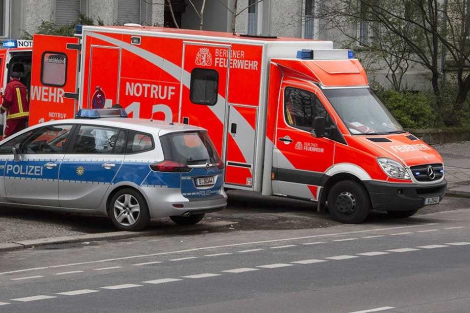 Polizei und Rettungskröfte rückten in der Flüchtlingsunterkunft an (Symbolfoto).