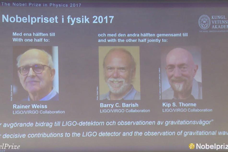 Das Karolinska-Institut gibt die Namen der Preisträger des Nobelpreises für Physik bekannt und zeigt Fotos der Preisträger.