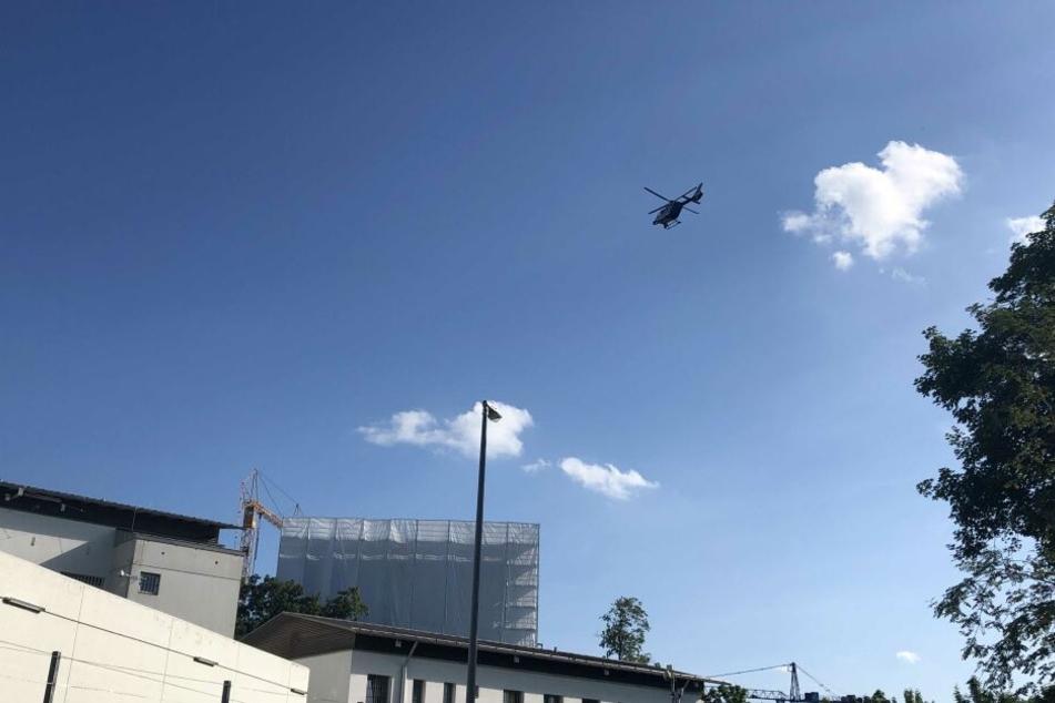 Ein Helikopter suchte nach den Männern.