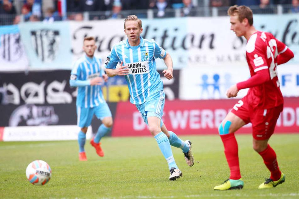 Dennis Grote (l., Chemnitz) gegen Christoph Menz (r., Erfurt).