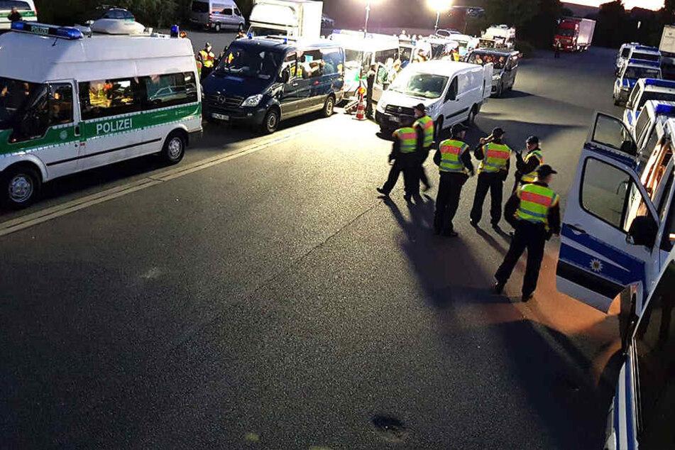 Bundespolizei geht mit Großaufgebot gegen Schleuser auf Autobahn vor