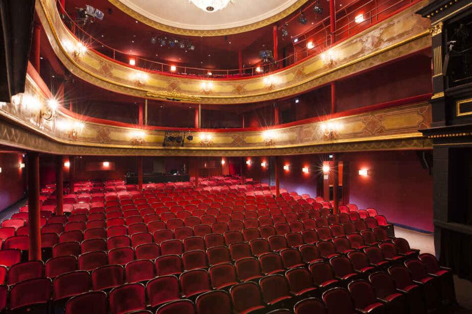Das St. Pauli Theater liegt direkt an der Hamburger Reeperbahn.
