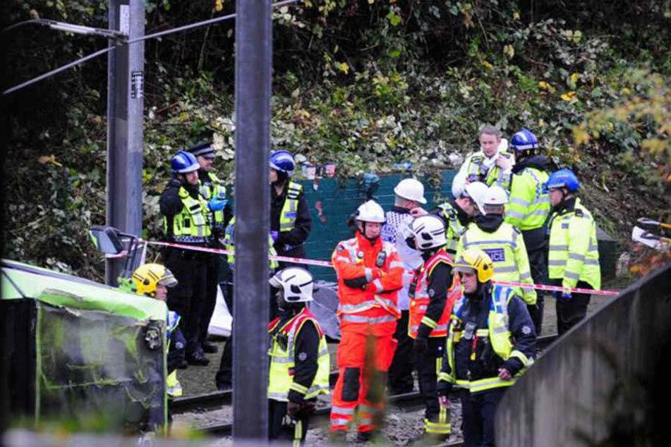 Hunderte Rettungskräfte waren im Einsatz, über 50 Menschen wurden verletzt ins Krankenhaus gebracht.