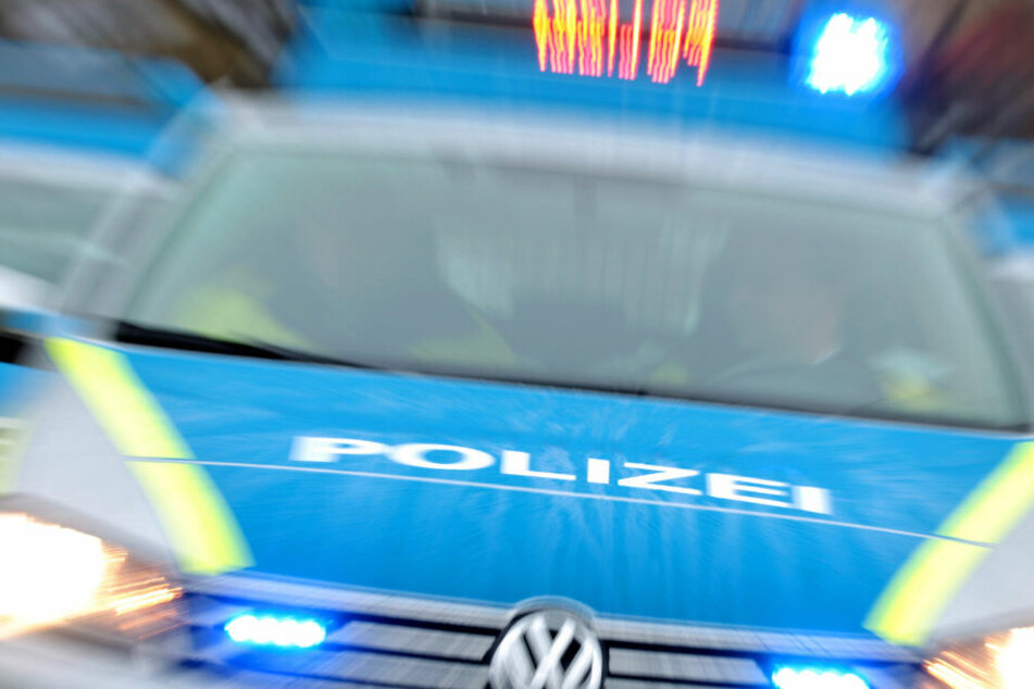 Die Polizei ermittelt nun wegen Körperverletzung und sucht Zeugen. (Symbolbild)