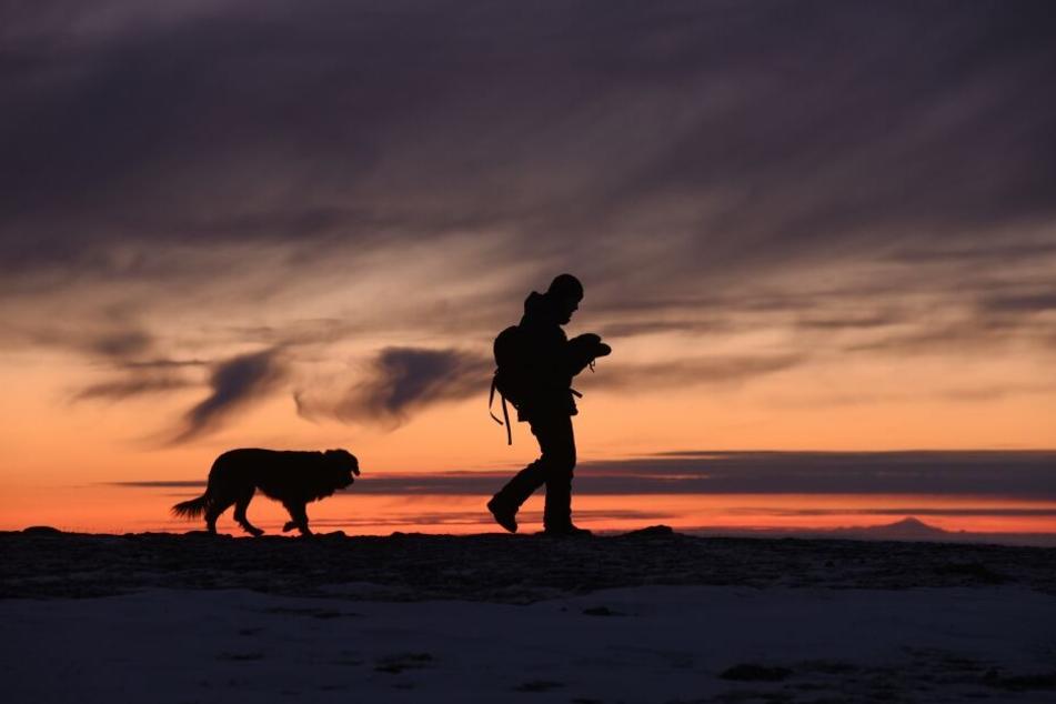 In einer vertrauensvollen Mensch-Hund-Beziehung gehen beide durch dick und dünn.