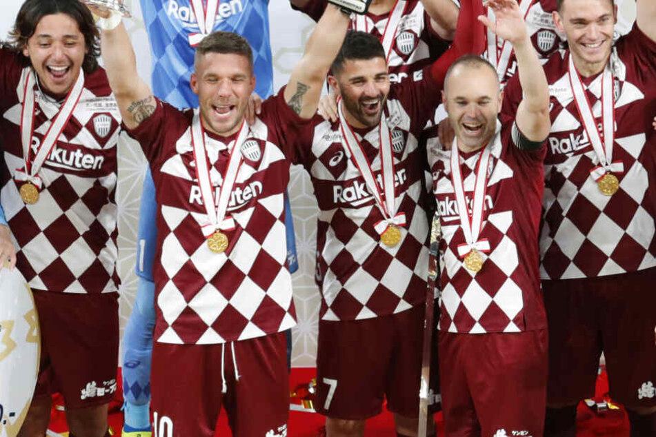 Kaiserpokal mit Kobe: Lukas Podolski schreibt Geschichte