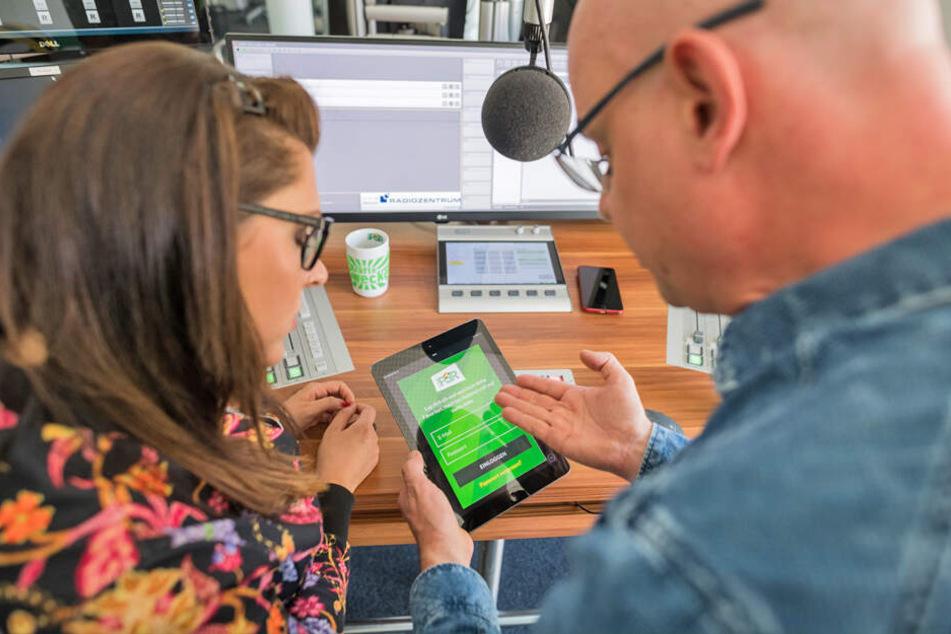 RADIO PSR-Moderatoren Steffen Lukas und Claudia Switala testen die neue App auf Herz und Nieren.