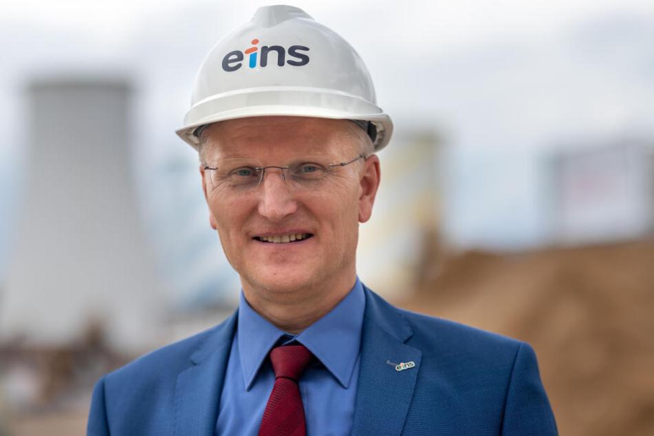 Eins-Energie-Chef Roland Warner (55) stellte die Pläne vor. Etwa 300.000 Bäume sollen künftig in Chemnitz verbannt werden.