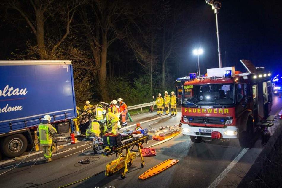 Die Feuerwehr war mit 30 Einsatzkräften an der Unfallstelle.