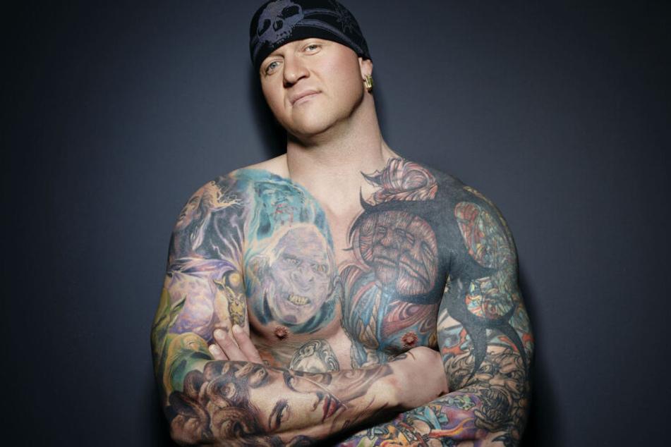 """Star-Tätowierer Randy Engehard (41) organisiert die """"Tattoo-Expo"""" in Zwickau."""
