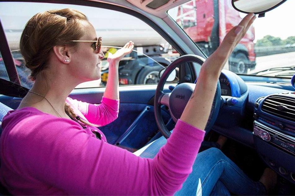 Ein Überholverbot kann aber auch  zu Brummi-Kolonnen führen, die das Auffahren auf die Autobahn erheblich  erschweren.