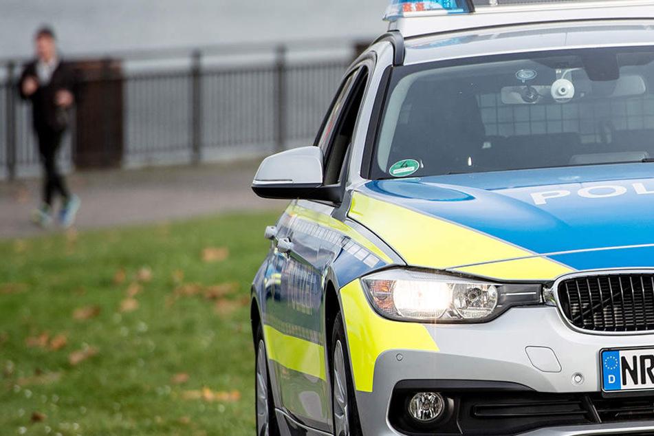 Die Beamten der Wasserschutzpolizei versuchten, die Neunjährige zu reanimieren.