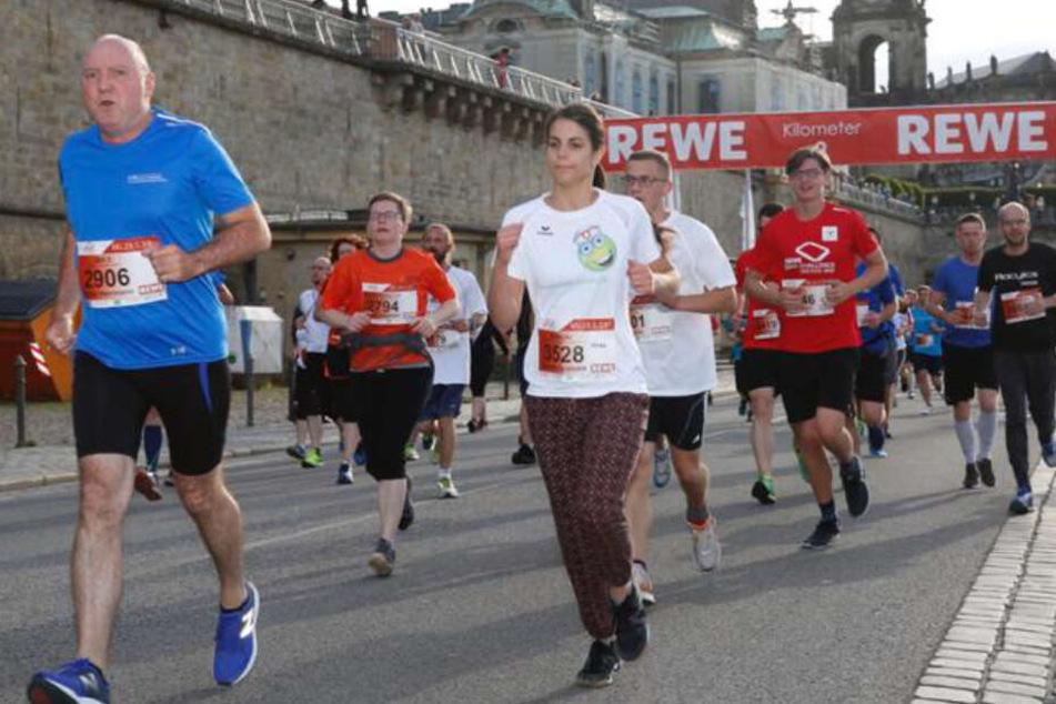 Dresden: Rund 25.000 Teilnehmer beim 11. REWE-Lauf in Dresden am Start