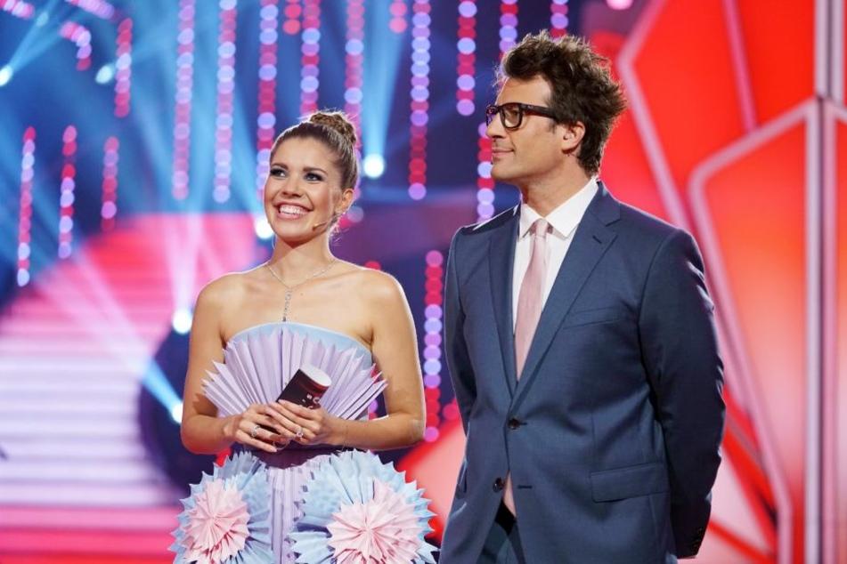 """Ihr Kleid kam bei den Zuschauern gar nicht gut an: Victoria Swarovski (24) kassierte nach der """"Let's Dance""""-Show am Freitagabend viel Kritik."""