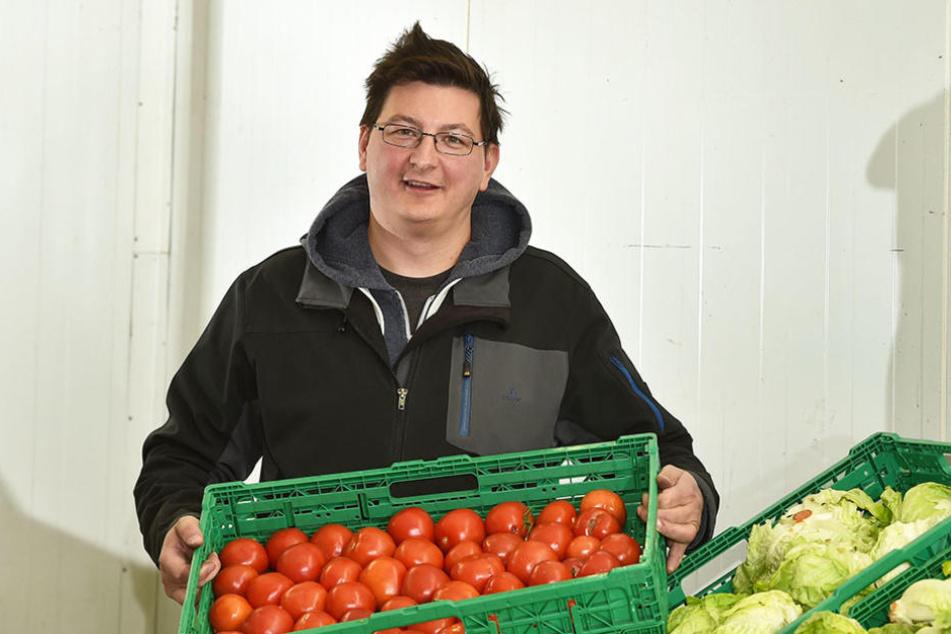 Tafel-Chef Andreas Schönherr (40) wehrt sich gegen Todeswünsche.