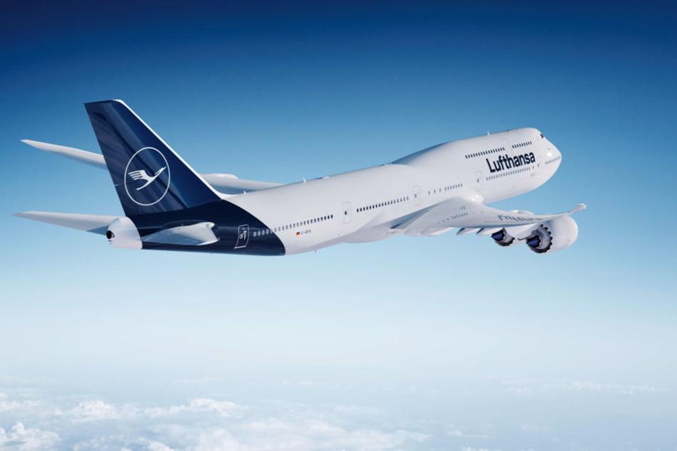 Die Computer-Darstellung zeigt eine Boeing 747-8 der Lufthansa, besser bekannt als Jumbo-Jet.