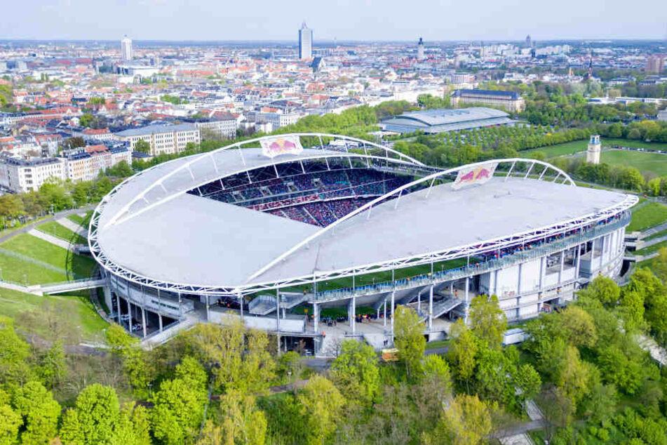 Vor allem während Fußballspielen und Großveranstaltungen in der Arena gibt es ein großes Getümmel um das Stadion.