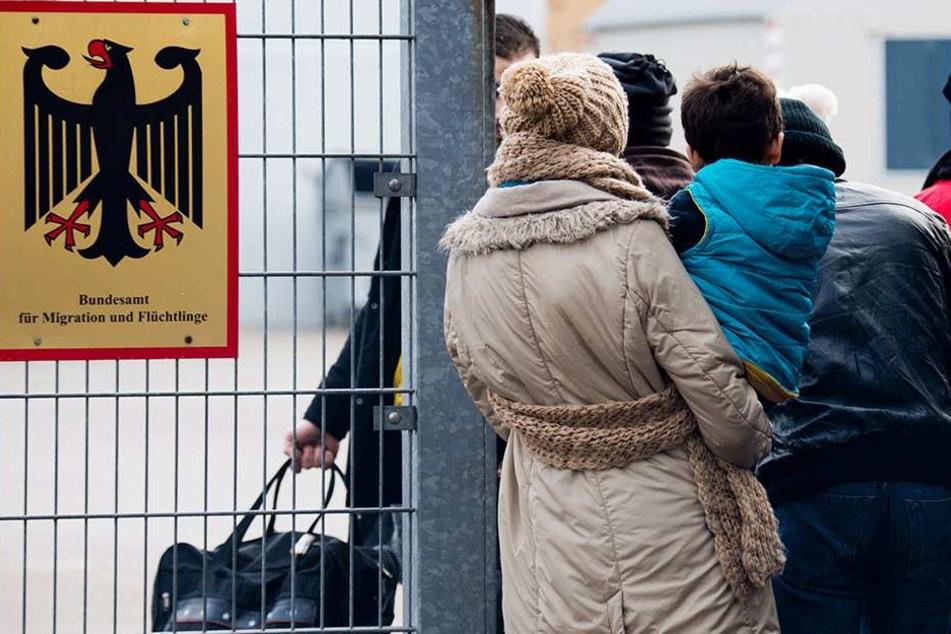 Flüchtlingskrise: Erste deutsche Stadt zieht die Notbremse und macht dicht!