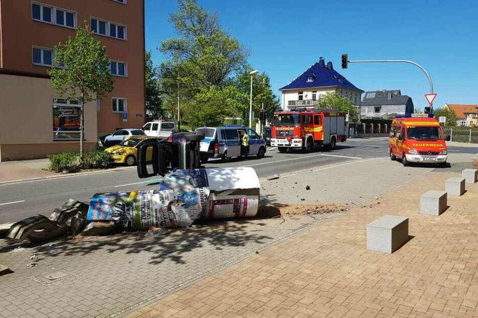Feuerwehr, Polizei sowie Rettungsdienst waren im Einsatz.