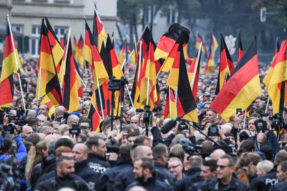 """Am 9. November haben Pro Chemnitz und ein Bündnis """"Solidarität statt Rassismus"""" Kundgebungen in der Innenstadt angemeldet."""