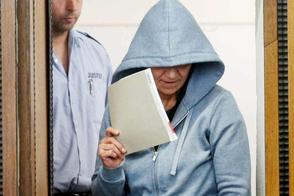 Lebenslange Haft: Frau erschlug ihren brutalen Ehemann mit Stein