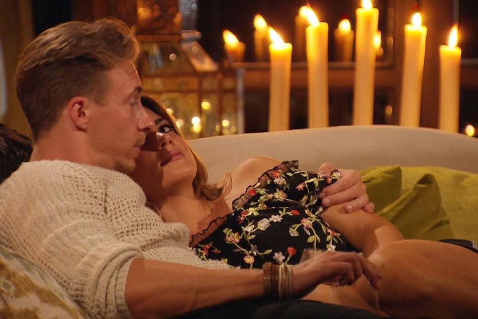 Mit David verbrachte Jessica die Nacht. In der Männervilla verheimlichte er das aber.