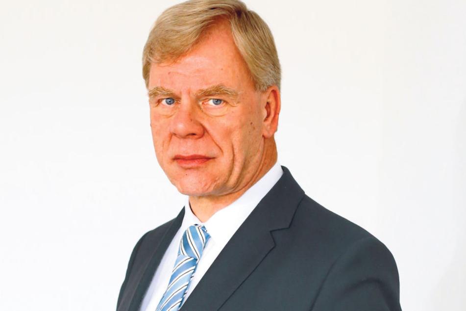 Finanzminister Georg Unland (63, CDU) lässt seinen Kollegen Ulbig nicht gut  aussehen.
