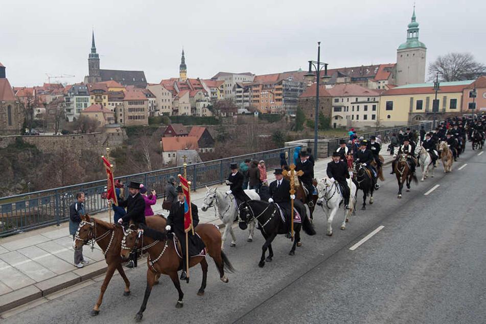 Für den Imagefilm werden auch Osterreiter-Darsteller gesucht, die möglichst keine Angst vor Pferden haben.