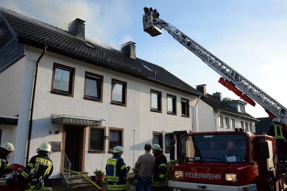 45 Feuerwehrmänner kamen bei dem Brand zum Einsatz.