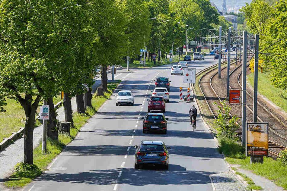 Wer aktuell entlang der Königsbrücker radelt, braucht starke Nerven und Gottvertrauen.