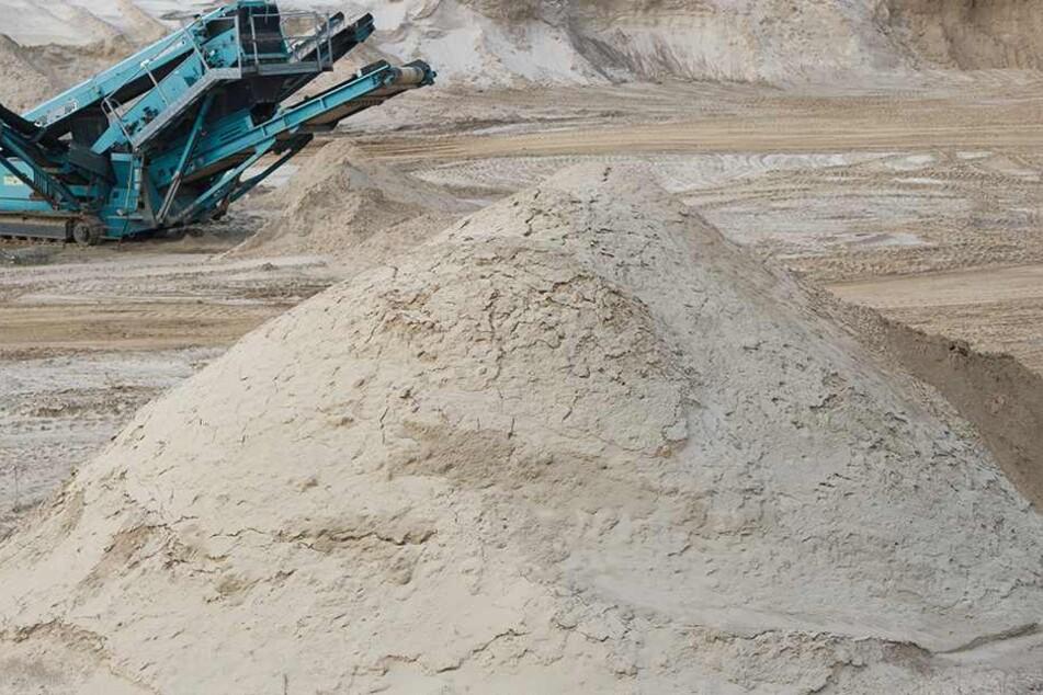 Zwei Arbeiter in Kieswerk bei lebendigem Leib begraben: Tot!