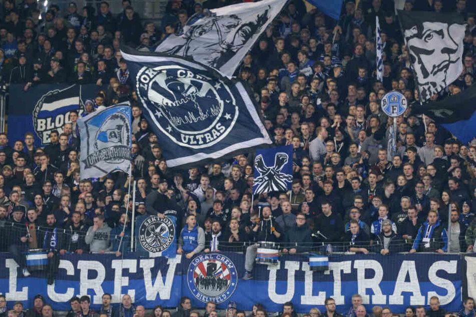 In die SchücoArena kommen die Fans immer zahlreich, auch auswärts unterstützen sie ihren Verein.