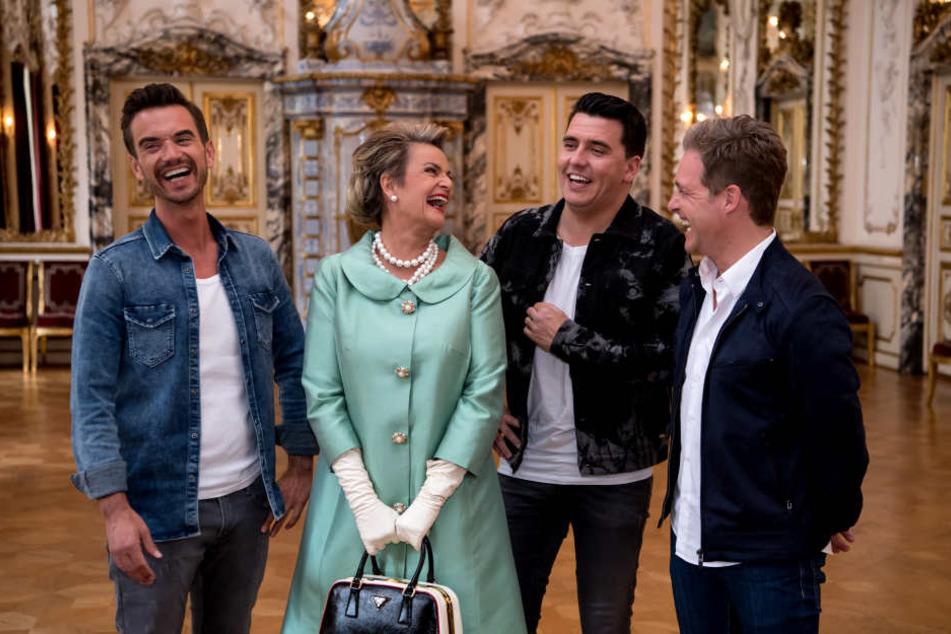 """Florian Silbereisen (35) zu Gast bei Gloria von Thurn und Taxis (57). Sie wird der Star in seinem neuen Video """"Märchenprinzessin""""."""