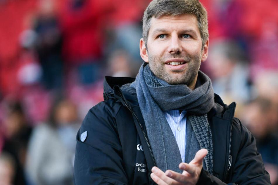 Neuer Vorstandsvorsitzender beim VfB Stuttgart, Thomas Hitzlsperger, steht vor dem Spiel gegen Wehen Wiesbaden im Stadion.