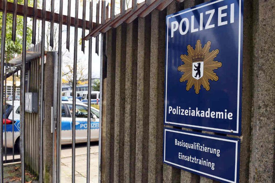 Gegen den Lehrer der Berliner Polizeiakademie wird ermittelt.