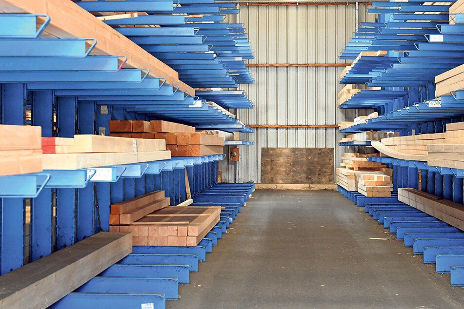 Holzmangel im Freistaat: In vielen Betrieben sind die Lager so gut wie leer.