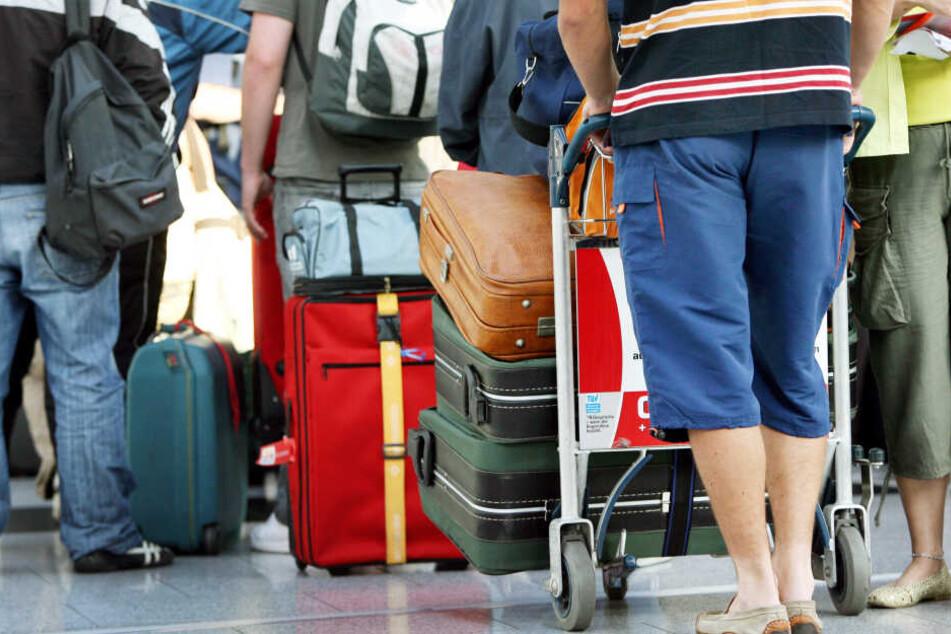 Reisende sollten ihr Gepäck immer im Auge haben.