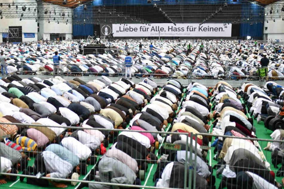 Zehntausende deutsche Muslime setzen sich für Integration ein