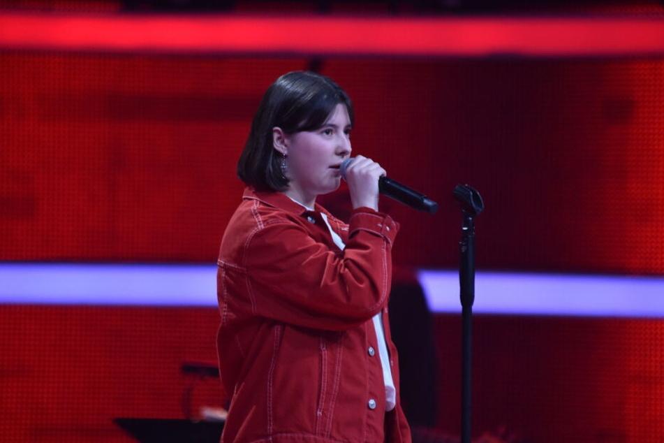 """Die 14-Jährige Evelyne aus Glinde bei Hamburg sorgt mit ihrem Auftritt bei """"The Voice Kids"""" für einen viralen Hit."""