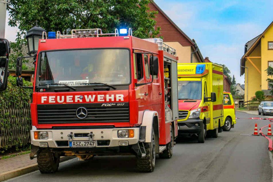 Bei den Löscharbeiten wurde ein Feuerwehrmann verletzt.